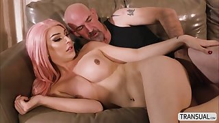 horny slut ts aubrey kate let dude cum on her mouth