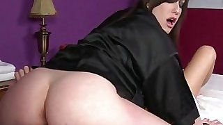 Emo masseuse gets pussy ate by client